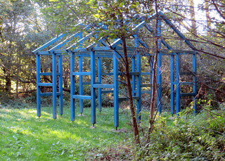 Das blaue Haus - Kunst in der Landschaft, landart, Skulpturen, Objekte, Konzeptkunst, Bildhauer, Kunstwerk