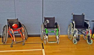Rollstühle #1 - Rollstuhl, Rollstühle, Unterstützung, Integration, Inklusion, Material, Gerät, Hilfe, rollen, sitzen, Rollstuhlsport, Sport