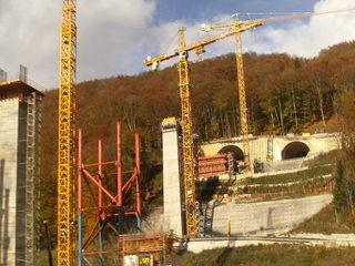 Tunnelbau#1 - Tunnelbau, Bahnprojekt, Eisenbahntunnel, Neubaustrecke, Wendlingen-Ulm, Verkehrsbauwerk, Tunnelprojekt, Boßlertunnel, Bau der Filstalbrücke, Röhrenaustritt