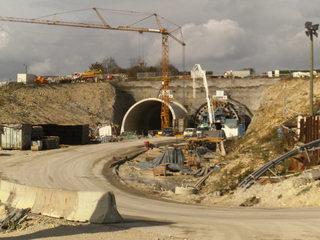 Tunnelbau#3 - Tunnelbau, Bahnprojekt, Eisenbahntunnel, Neubaustrecke, Wendlingen-Ulm, Verkehrsbauwerk, Tunnelprojekt, Steinbühltunnel, Röhrenaustritt Richtung München