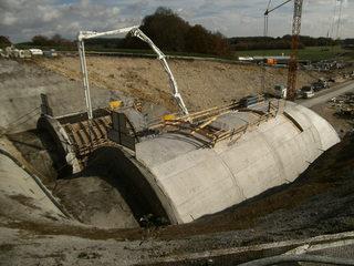 Tunnelbau#5 - Tunnelbau, Bahnprojekt, Eisenbahntunnel, Neubaustrecke, Wendlingen-Ulm, Verkehrsbauwerk, Tunnelprojekt, Steinbühltunnel, Röhrenaustritt, Schalldämmbauweise