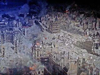 Ausschnitt Asisi Panorama - Dresden 1945  #3 - Geschichte, Krieg, Zerstörung, Bombardement, Brand, Schutt, Asche, Kunst, Panorama, Ansicht, Ethik, Weltkrieg, Dresden, Luftangriff, Feuersturm, Ruinen, zerstört
