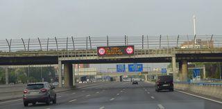 Hinweisschild #3 auf Autobahn - tunel, velocidad, controlar, Hinweisschild, Geschwindigkeit, Kontrolle