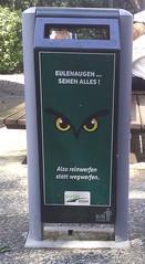 Mülleimer#3 - Abfalleimer, Müll, Stadtreinigung, Abfallproblem, lustig, Witz, Sprachwitz, Slogan, Werbung, Humor, Werbesprache, Text-Bild-Korrespondenz