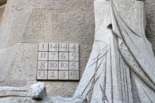 Zahlen - Zahlen, Quadrat, Rätsel, Gaudi, Barcelona, rechnen, Mathematik, Diagonale, Summe, Addition, rätseln