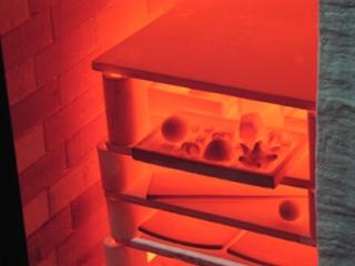 Rotglut im Keramikofen - Rotglut, Keramik, Raku, rot, Brennofen, heiß, Ton, glühen, rot, Hitze, Wärme, Wärmestrahlung, Temperatur