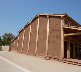 Lehmhaus - Lehmhaus, Bauwerk, Lehmbau, Baukonstruktion, Bauform, Temperaturausgleichend, Wärmespeicher, Dämmung, Feuchtigkeitsschutz