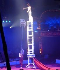 Akrobatik#2 - Zirkus, Wanderzirkus, Manege, Spielstätte, Vorführung, Akrobatik