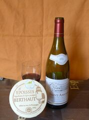 Käse und Rotwein - fromage, vin, rouge, epoisses, Käse, Rotwein, Frankreich, Delikatesse
