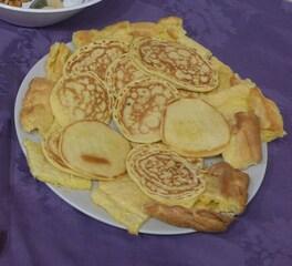Blinis - blini, blinis, pfannkuchen, Buchweizen, Buchweizenpfannkuchen