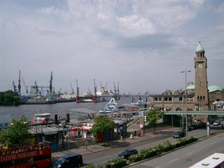 Hamburg / Anleger - Hamburg, Hafen, Anleger, St Pauli, Kran, Schiffe, Hafenrundfahrt