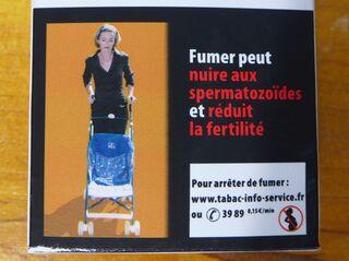Warnhinweis auf französischer Zigarettenschachtel #9 - rauchen, Krebs, cancer, mortel, fumer, Gesundheitsschädigung, Umwelt, arrêter, santé, nuire, fertilité, spermatozoides