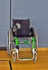 Rollstuhl - Rollstuhl, Rollstühle, Unterstützung, mobil, integrativ, inklusiv, Integration, Inklusion, Material, Gerät, Hilfe, rollen, sitzen, Rollstuhlsport, Sport, handicap, fortbewegen, Fortbewegung, Behinderung, Nachteil, Nachteilsausgleich
