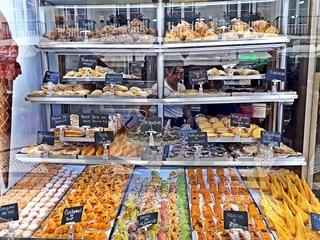 Lissabon Geschäft #4 - Portugal, Lissabon, Geschäft, Nata, Creme, Kuchen, kaufen, Sprache, portugiesisch, süß, Süßigkeiten, Landeskunde, Auslage, Werbung