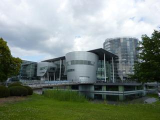 Gläserne Manufaktur Dresden - Gläserne Manufaktur, Fertigungsanlage, Fabrikanlage, Bauwerk aus Glas, Produktionsstätte, Unternehmen, Industrie