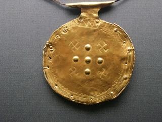 Etruskischer Goldschmuck aus dem 7. Jh.v.Chr. - Gold, Schmuck, Etrusker, Hakenkreuz, Goldschmuck, Kunsthandwerk, Kunst, Archäologie