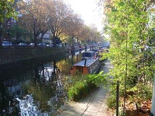 Hausboote auf dem Regent's Canal - Regent's Canal, zwischen Camden Lock und Little Venice, Hausboote, Wohnen, London, England, Boot, Kanal, Wasserweg