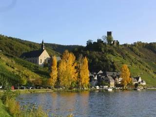Beilstein an der Mosel - Mosel, Weinberge, Beilstein, Herbst, Mittelgebirge, Fluss, Dorf, Kirche, Ruine