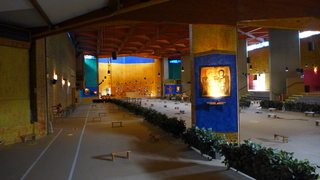 TAIZÉ 02  Innenraum des Gotteshauses - Taizé, Ökumene, ökumenisch, Konfession, Jugend, Zelt, Gemeinschaft, Glauben, Versöhnung