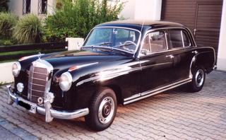 Mercedes Oldtimer - Mercedes, Oldtimer, alt, Auto, 50er, Verkehr, Daimler-Benz
