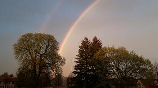 Doppelter Regenbogen - Regen, Sonne, Regenbogen, Regenbogenfarben, Licht, Lichtbrechung, Lichtzerlegung, Prisma, Optik, Physik