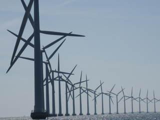 Windpark - Technisches Bauwerk, regenerative Energie, Windrad, Windpark, Energie, Energiegewinnung, Elektrizität, Kraftwerk, Windkraft, Windenergieanlage, Rotor, Strom, Perspektive, Windkraftwerk