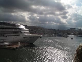 Hafen Genua - Italien, Hafen, Genua, Passagierschiff, Fährhafen, Seehafen, Containerumschlag, Mittelmeer