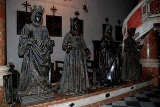 Innsbruck Kaisergrab Maximilian 5 - Innsbruck, Kaiser Maximilian, Hofkirche, Schwarze Mander, Renaissance, Österreich