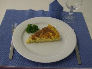 Schinken Käse Tarte #5 - Schinken Käse Tarte, angerichtet, Teller, Besteck, Glas, Serviette