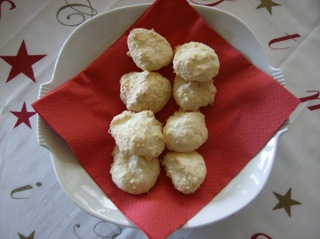Kokosmakronen - Gebäck, Plätzchen, Weihnachtsplätzchen, Kokosmakronen, Eiweißgebäck, Eiweiß, Zucker, Kokosflocken
