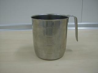 Messbecher - Messbecher, Litermaß, Edelstahl, Flüssigkeit, messen, Messstriche, Maßeinheit, Liter, Volumen