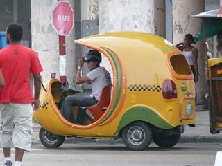 Coco-Taxi - Fortbewegung, Fahrzeug, Taxi, Transport, öffentlicher Nahverkehr, Personenbeförderung, Kuba, Karibik