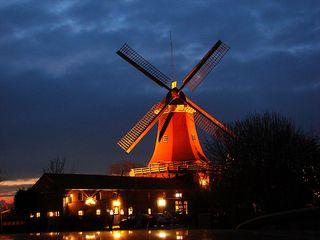 Windmühle 3 - Mühle, Windmühle, Wind, Nacht, Kontrast, Farbkontrast, Hell-Dunkel-Kontrast, Windenergie