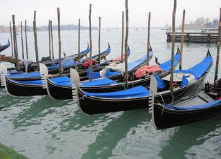 Gondeln - Venedig, Gondel, Canale Grande, Boot, Wasser, Wasserfahrzeug, Anlegestelle