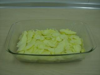 Ofenschlupfer #2 - Auflauf, süß, Auflaufform, Toastbrotscheiben, Äpfel, gehobelt