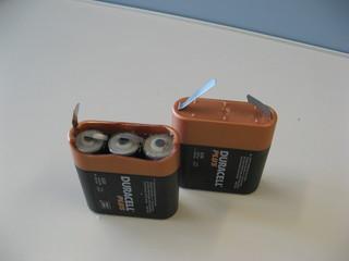 Flachbatterie - Reihenschaltung, Serienschaltung, Zink-Kohle-Element, Trockenelement, Spannung, Strom, Stromquelle