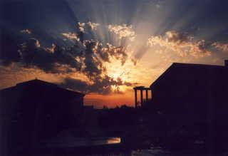 Sonnenuntergang - Sonnenuntergang, Frankreich, St.Jean-de-Monts, Vendee, Wolken, Horizont, Abend, Abendstimmung, Lichtstrahlen, Lichtausbreitung, Optik
