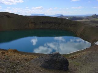 Kratersee auf Island - Vulkan, Krater, Kratersee, Spiegelung, Island