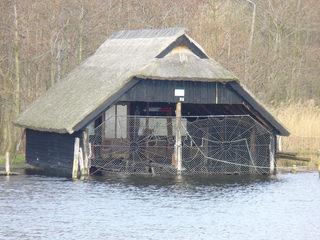 Fischerhütte Darß Ostsee - Fischerhütte, Kate, Hafen, Fischerei, Fischernetz, Netz, Ufer, Schilf