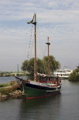 Regentag 2 - Hundertwasser, Regentag, Boot