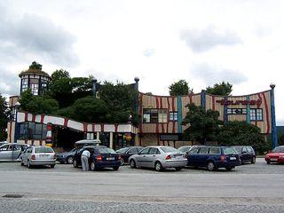 Autobahnraststätte Bad Fischau 1 - Hundertwasser, Bad Fischau, Autobahnraststätte