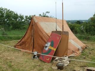 Zelt und Waffen - Römer, Zelt, Rom, Waffen, Speer, Schild