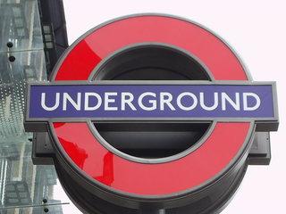 Underground Zeichen - London, underground, tube, U-Bahn, U-Bahnstation, sign