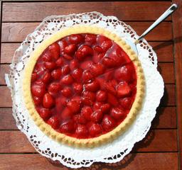 Erdbeerkuchen - Kuchen, Erdbeeren, lecker, Obstkuchen, Biskuitboden, Tortenguss, Tortenspitze, Tortenheber, Tortenschaufel, Kaffeekuchen