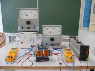 Belasteter Transformator - Trafo, Transformator, Physik, Spule, Spulen, Messgerät, belastet, Potentiometer