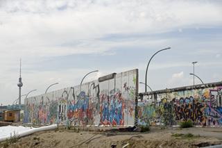 Die doppelte Mauer - Mauer, Wiedervereinigung, Ostberlin, DDR, Berlin