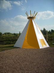 Indianerzelt - Zelt, Kinder, Indianer, schlafen, spielen, Ferien, Tür, Pyramide