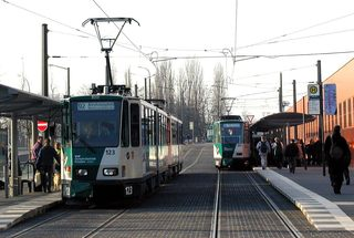 Straßenbahnhaltestelle - Verkehr, Straßenbahn, Haltestelle