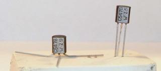Zwei Transistoren - Physik, Löten, Technik, Transistor, Transistoren, Elektrizität, Elektronik, Halbleiter