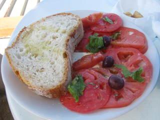 Insalata Caprese - Capri, Italien, Insalata Caprese, Fleischtomaten, Mozzarella, Basilikum